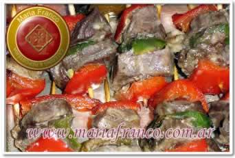 Mini-Brochette de Carne - Calentitos - Maria Franco