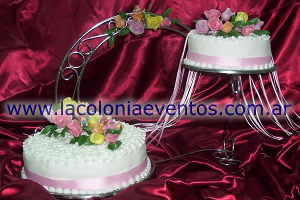 Torta de Dos Pisos c/ramos de Flores y Hadas