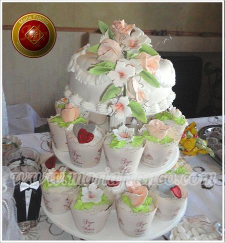Torta de Bodas Super original, con cupcakes decorados - Repostería Artesanal, Pastelería Artistica, Chocolatería, Servicio de Lunch