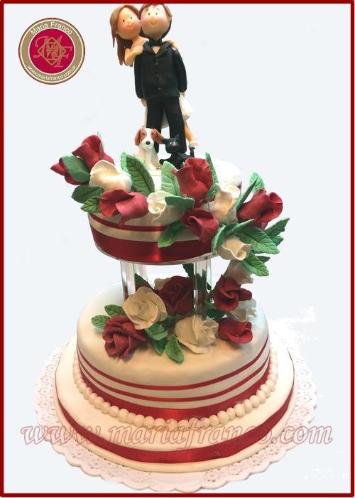 Torta de Bodas con caida de Rosas - Tortas Alegoricas, Pasteleria Artistica - Hacemos la torta de tus sueños - Bomboneria Fina - Servicios de Lunch - Pascuas - Navidad